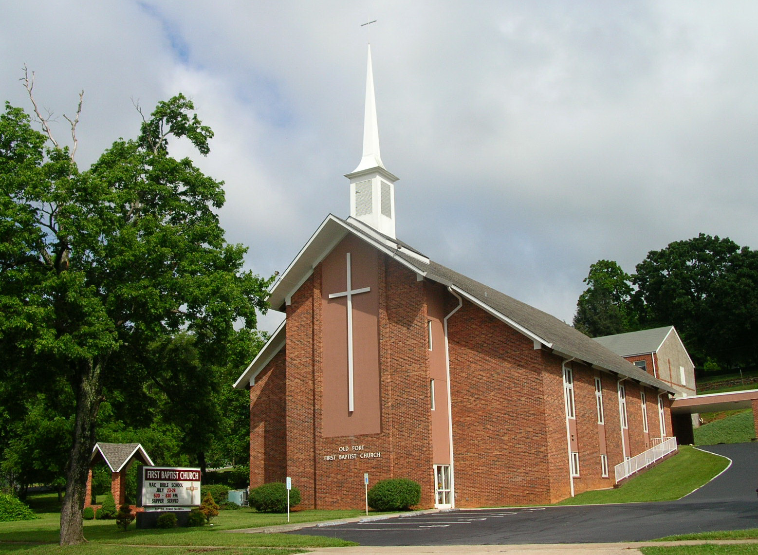Baptist church pictures to pin on pinterest pinsdaddy for First ch